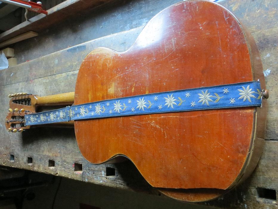 Gitarrenboden gerissen