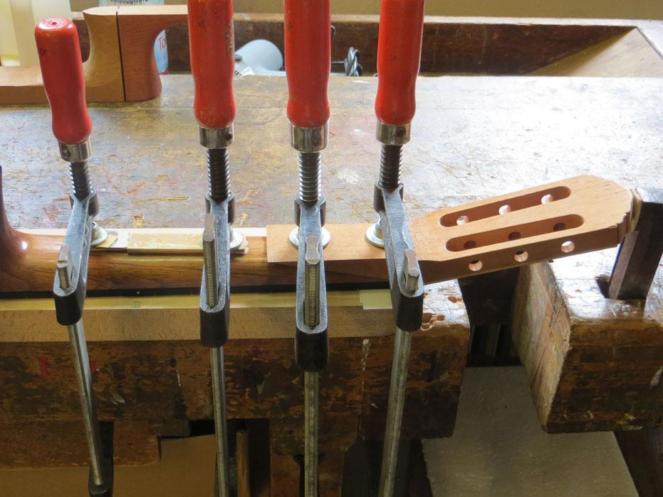 gebrochenen Gitarrenhals reparieren